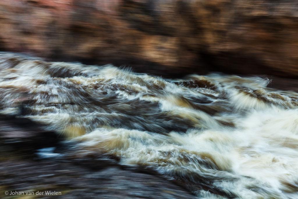 Kolkende stroomversnelling Oulanka