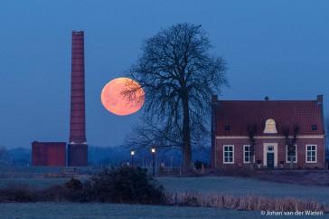 Ondergaande maan