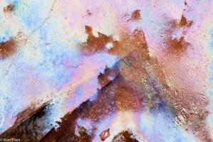 Bevroren kwel. Spelen met schaduw, licht en kleuren.  - Fotograaf: Ron Poot