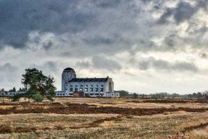 De bekende Kathedraal bij Radio Kootwijk. - Fotograaf: Nel Appelmelk