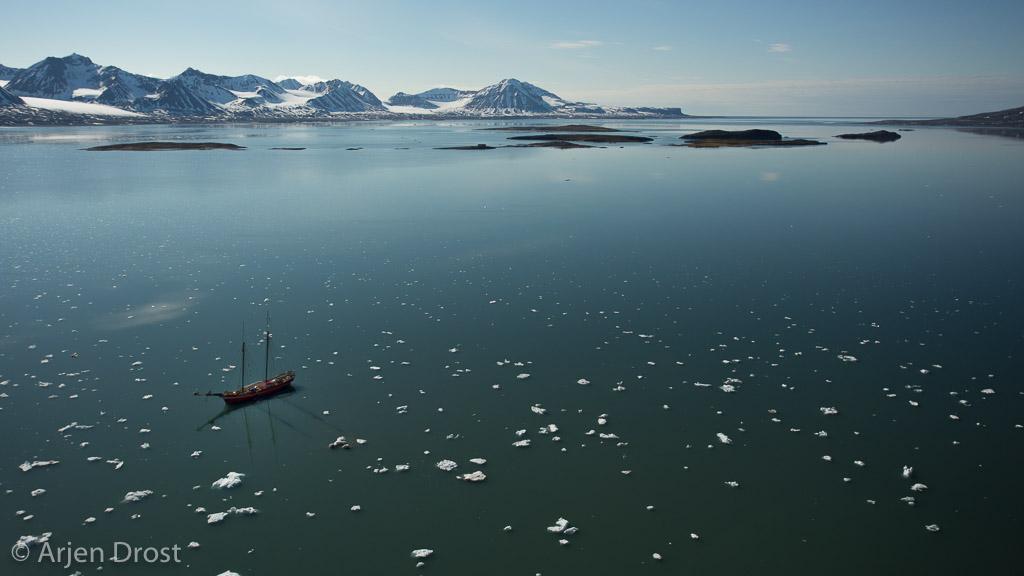 Het zeilschip de Noorderlicht in Kongsfjord