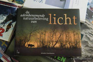 Boek 'Licht' door Jolanda Linschooten
