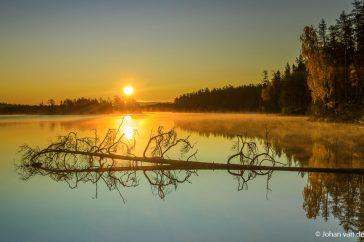 Zonsopkomst in herfstig Finland