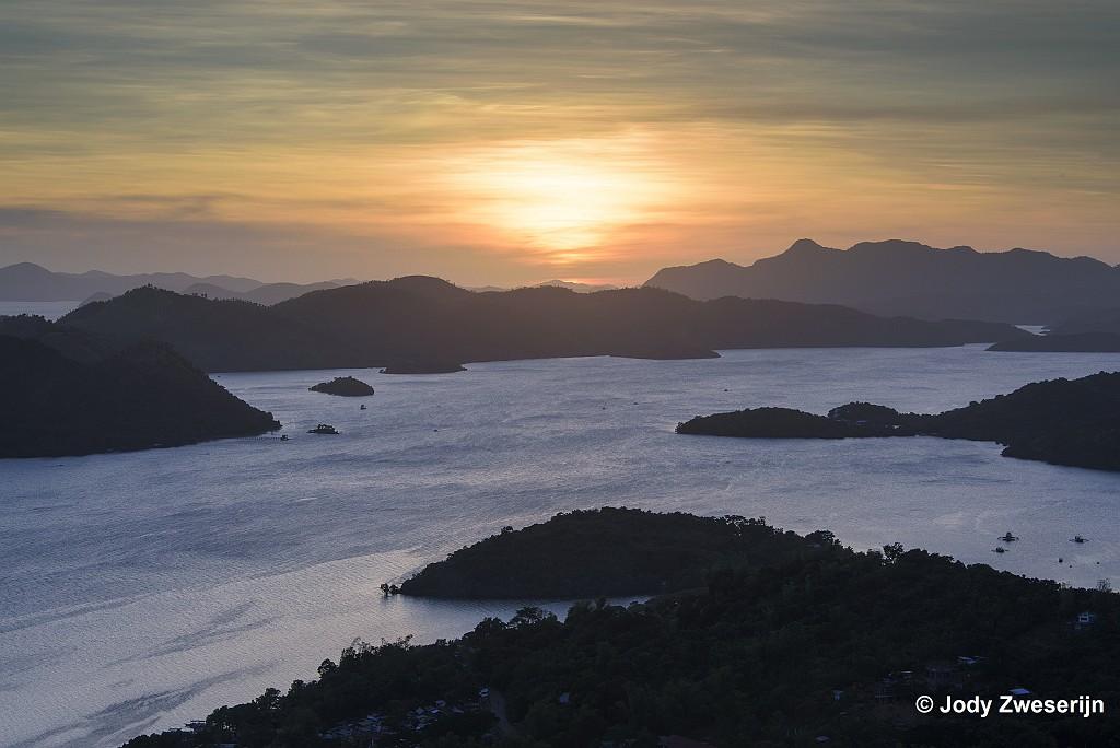 Zonsondergang vanaf Mt. Tapyas, Coron, Filipijnen