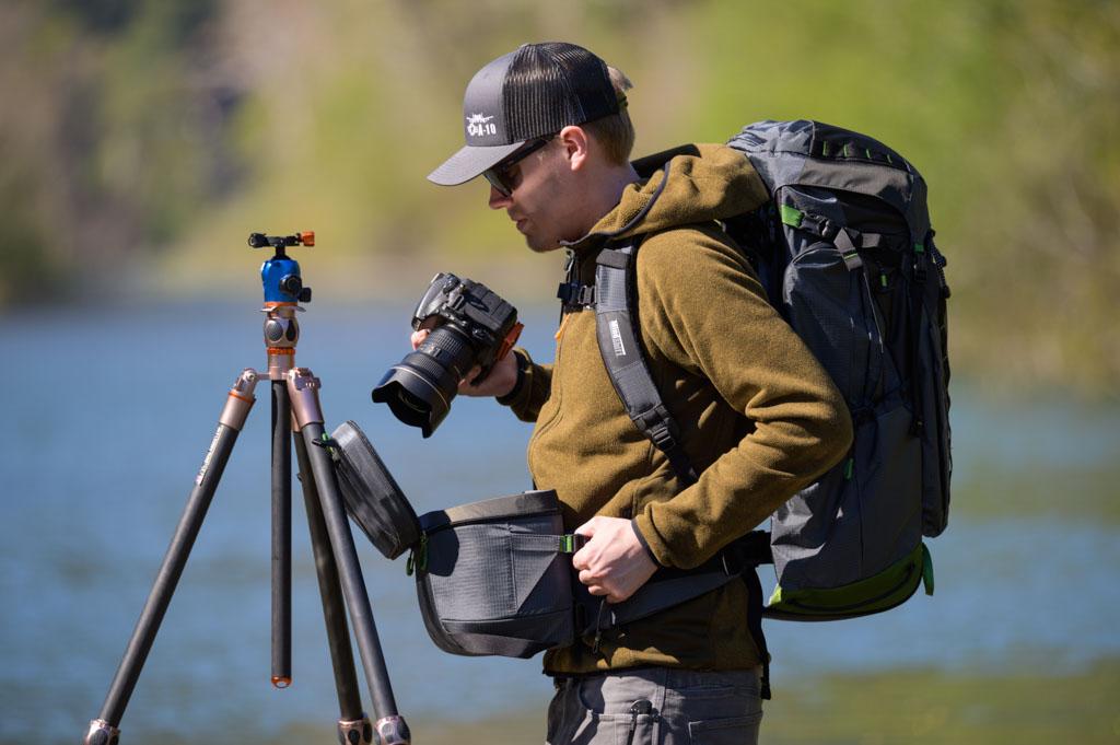 Sommige rugzakken hebben een cameracompartiment dat naar voren schuift.